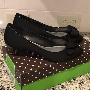 Kelly & Katie Jocelyn peep toe wedges size 8.5